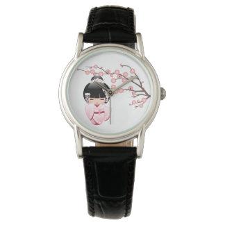 Weiße Kimono Kokeshi Puppe - niedliches Armbanduhr