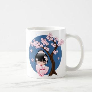 Weiße Kimono Kokeshi Puppe - niedliches Kaffeetasse