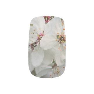 Weiße Kirschblüte Minx Nagelkunst