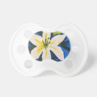 Weiße Lilie auf blauer Sammlung durch Jane Schnuller