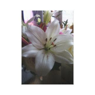 Weiße Lilie dehnte Leinwand-Druck aus Leinwanddruck