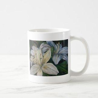 weiße Lilien Kaffeetasse