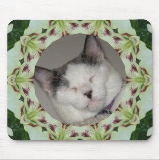 Weiße Lilien-Kaleidoskop-Foto-Rahmen Mousepad