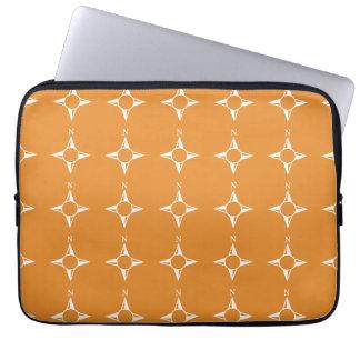Weiße Orange des rechtweisend Nord Computer Sleeve Schutzhülle