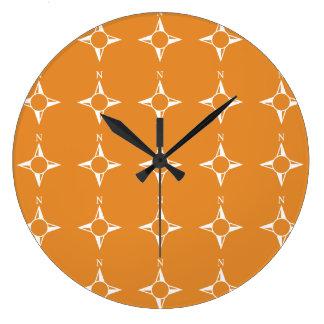 Weiße Orange des rechtweisend Nord Uhren