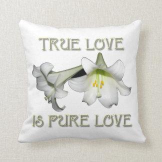 Weiße Osterlilien: Wahre Liebe ist reine Liebe Kissen