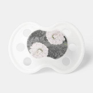 Weiße Pfingstrosen-romantisches Grau Schnuller