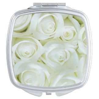 Weiße Rosen-kompakter mit Blumenspiegel Schminkspiegel