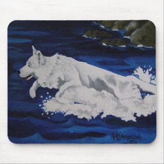 Weiße Schäferhund-Spritzen-Mausunterlage Mousepad