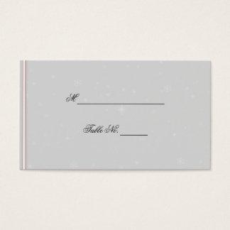 Weiße Schneeflocken auf silberne Visitenkarte