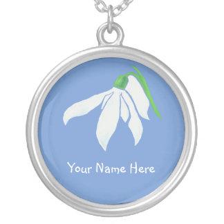 Weiße Snowdrop Blume auf Pulver-Blau Versilberte Kette