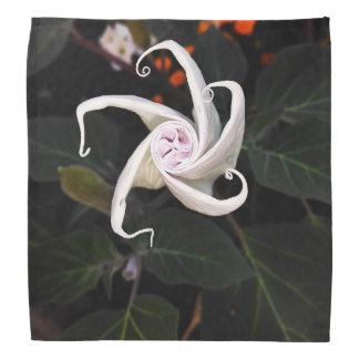 Weiße Stechapfel-Blumen-Knospe Halstuch