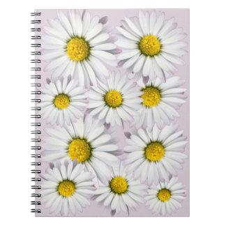 Weiße und gelbe Gänseblümchen-Blumendruck Spiral Notizblock