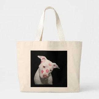 Weiße Welpen-HundeLiebe, versiegelt mit Leinentasche