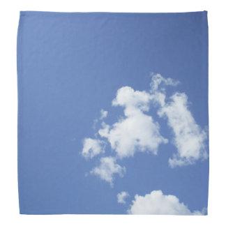 Weiße Wolken und blauer Himmel Halstuch
