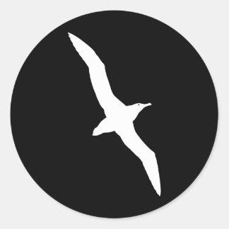 Weißer Albatros-Vogel im Flug Runder Aufkleber