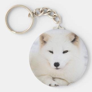 Weißer arktischer Fuchs im Schnee Standard Runder Schlüsselanhänger
