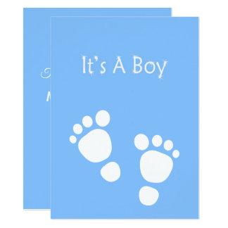 Weißer Babyfuß - es ist eine Jungenmitteilung Karte