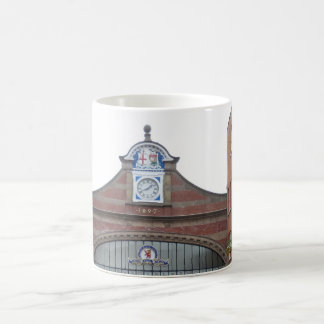 Weißer Kaffee-Tasse 1897 Stations-Gebäude-Englands Kaffeetasse