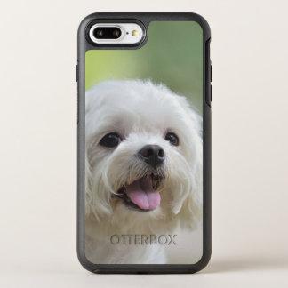 Weißer maltesischer Hund, der heraus Zunge haftet OtterBox Symmetry iPhone 8 Plus/7 Plus Hülle