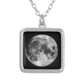Weißer Mond Versilberte Kette