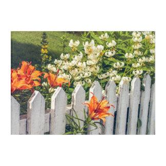 Weißer Pfosten-Zaun u. Blumen-Acryldruck Acryldruck