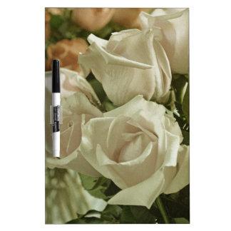 Weißer Rosendruck der Vintagen Art Memoboard