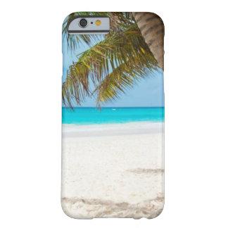 Weißer Sand-tropische Strand-und Palme Barely There iPhone 6 Hülle
