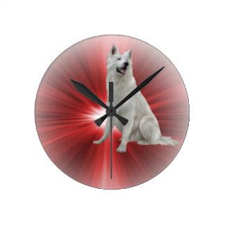 Weißer Schäferhund Runde Wanduhr