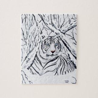 Weißer Tiger, der herein mischt Puzzle