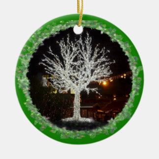 Weißer Weihnachtsbaum Rundes Keramik Ornament