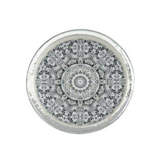 Weißes Blatt-Muster-runder Ring