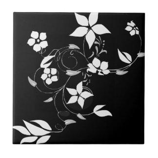 Weißes Blumen auf Schwarzem Kleine Quadratische Fliese