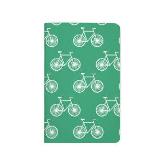 Weißes Fahrrad, radfahrenmuster; Kelly-Grün Taschennotizbuch