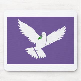 weißes Friedenstaubenbild im lila Rahmen Mousepad