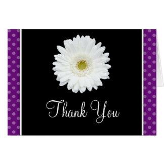 Weißes Gerbera-Gänseblümchen-danken lila Karte