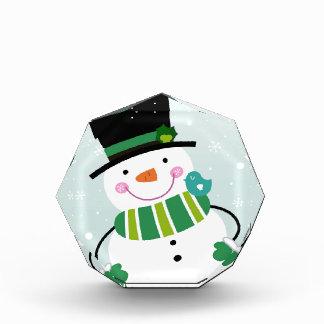 Weißes Grün des kleinen niedlichen Snowman Auszeichnung