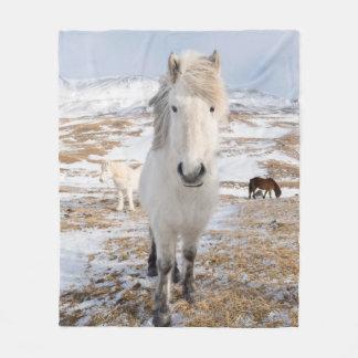 Weißes isländisches Pferd, Island Fleecedecke
