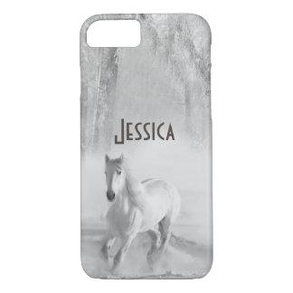 Weißes Pferd, das in einen Snowy-Wald läuft iPhone 8/7 Hülle