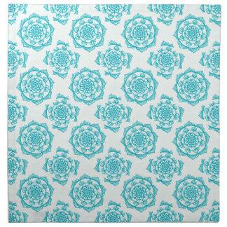 Weißes u. aquamarines Mandala-Muster Serviette