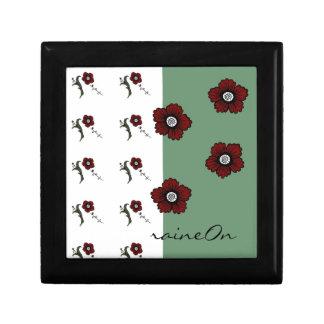 Weißes u. grünes w/Flowers raineOn Geschenkbox