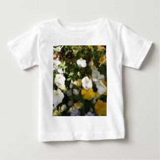 Weißes und gelbes Stiefmütterchen Baby T-shirt