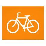 Weißes und orange Fahrrad Photographischer Druck