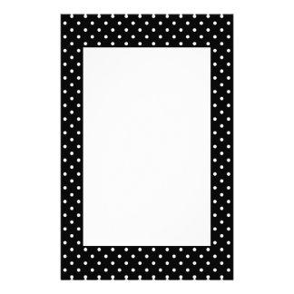 Weißes und schwarzes Tupfen-Muster Bedrucktes Büropapier
