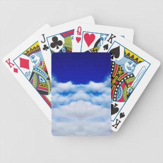 Weißes Wolkengesicht gegen einen blauen Himmel Bicycle Spielkarten
