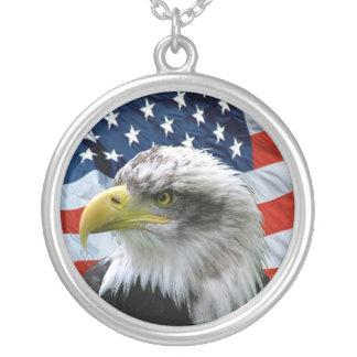 Weißkopfseeadler-Flagge-Anhänger-Halskette Versilberte Kette