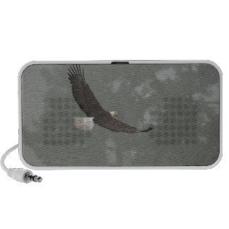 Weißkopfseeadler im Nebel Notebook Lautsprecher