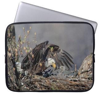 Weißkopfseeadler mit ihrem Baby Laptop Sleeve