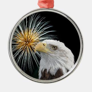 Weißkopfseeadler und Feuerwerke Rundes Silberfarbenes Ornament