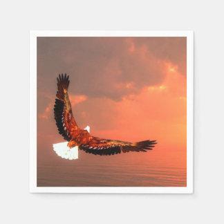 Weißkopfseeadlerfliegen Papierservietten